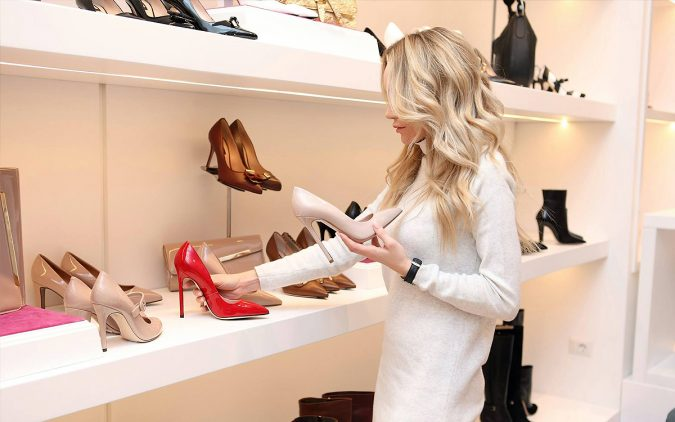 shopping-shoes-store-675x422 Top 10 Fashion Forecasting Techniques
