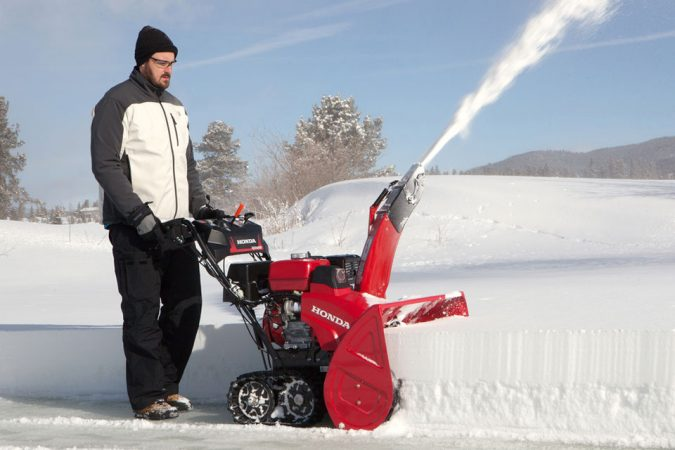 snow-blower.-675x450 3 Reasons Why You Need a Snow Blower