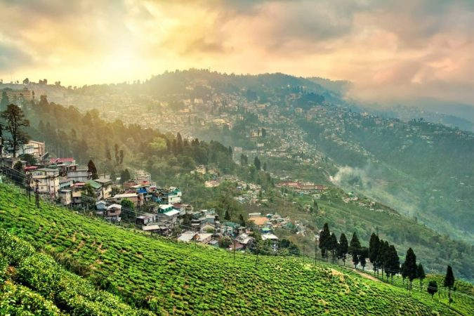Darjeeling-West-Bengal-675x450 Ten Ideas for Family Holidays in India
