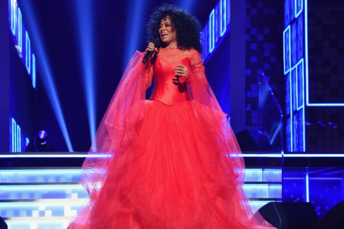 Diana-Ross-Grammys-Performance-2019-675x449 20 Hollywood Actresses Who Changed Fashion Forever