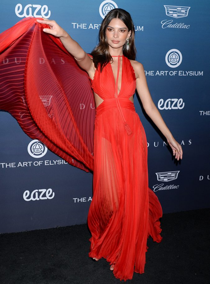 Emily-Ratajkowski-4-675x910 20 Hollywood Actresses Who Changed Fashion Forever
