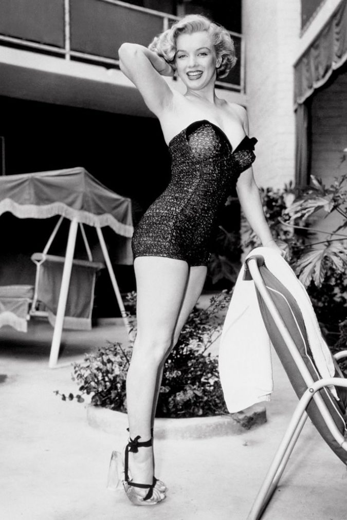 Marilyn-Monroe-look-675x1012 20 Hollywood Actresses Who Changed Fashion Forever