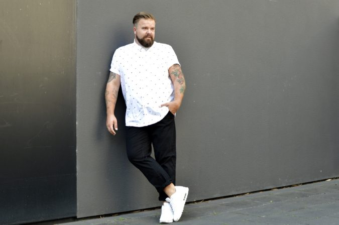 Plus-Size-Men's-fashion-1-675x448 10 Fashion Tips for Plus-Size Men to Wear in Office
