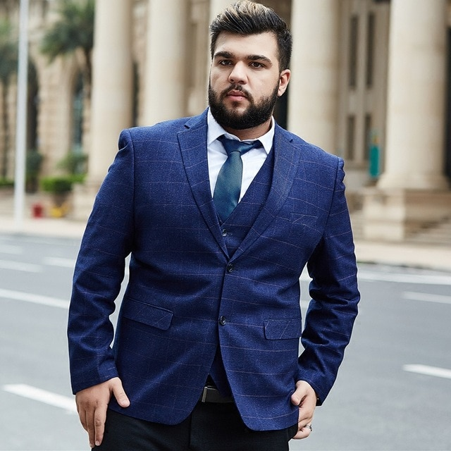 Plus-Size-Men's-outfit 10 Fashion Tips for Plus-Size Men to Wear in Office