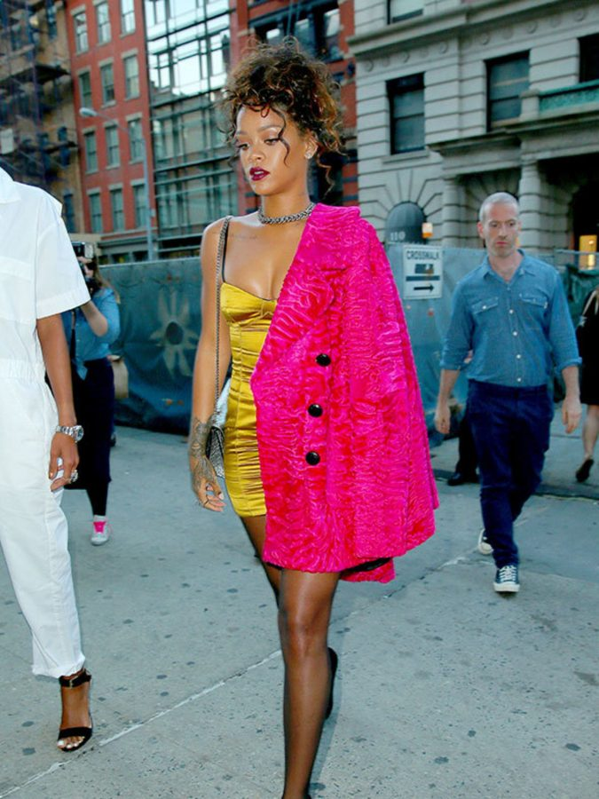 Rihanna-2-2-675x900 20 Hollywood Actresses Who Changed Fashion Forever