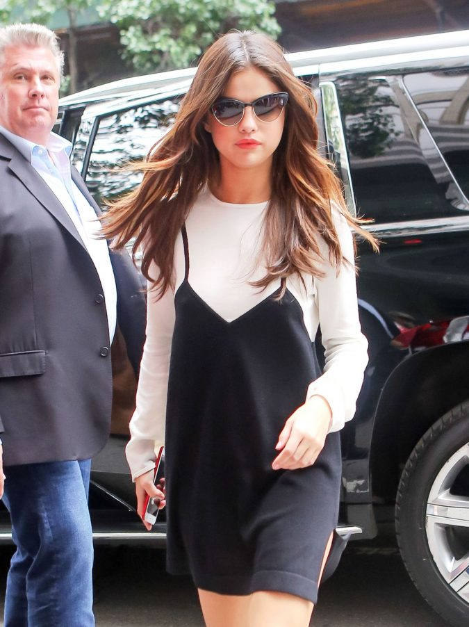 Selena-Gomez-1-675x902 20 Hollywood Actresses Who Changed Fashion Forever