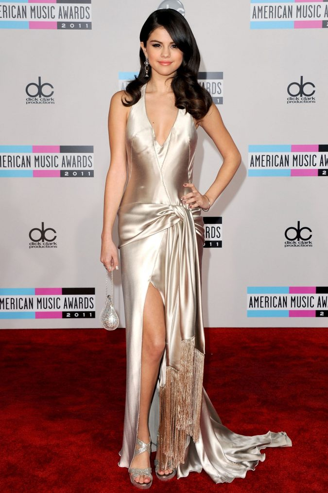 Selena-Gomez-3-675x1013 20 Hollywood Actresses Who Changed Fashion Forever
