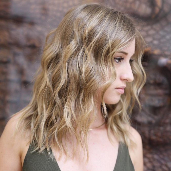 Shaggy-Wavy-Long-Bob-and-Dishevelled-Ends-675x675 Completely Fashionable Medium Length Hairstyles