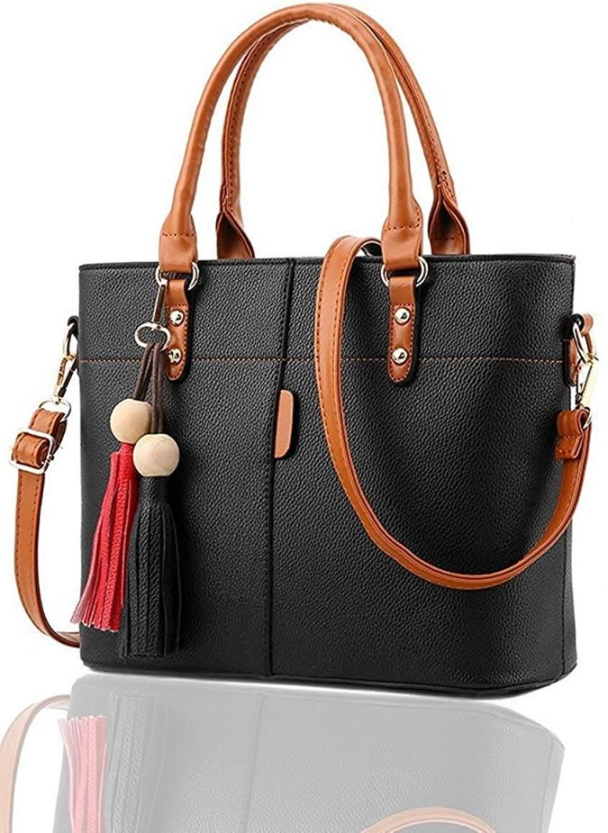 Tote-Bag-1-675x925 20 Must-Have Wardrobe Pieces Every Woman Over 40 Needs