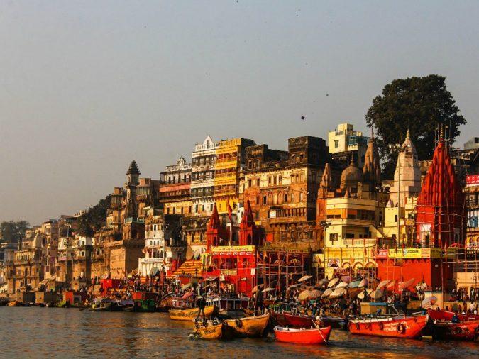 Varanasi-Uttar-Pradesh-675x506 Ten Ideas for Family Holidays in India