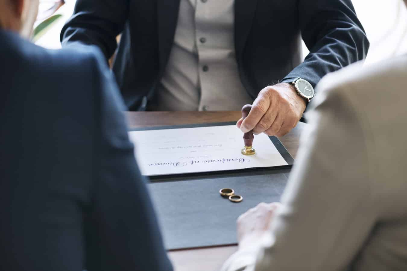 5 Tips to Hire the Best Divorce Attorney