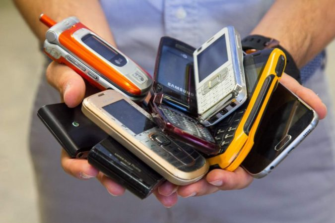 mobile-phones-675x450 6 Items Around the House that You Can Donate to Charity
