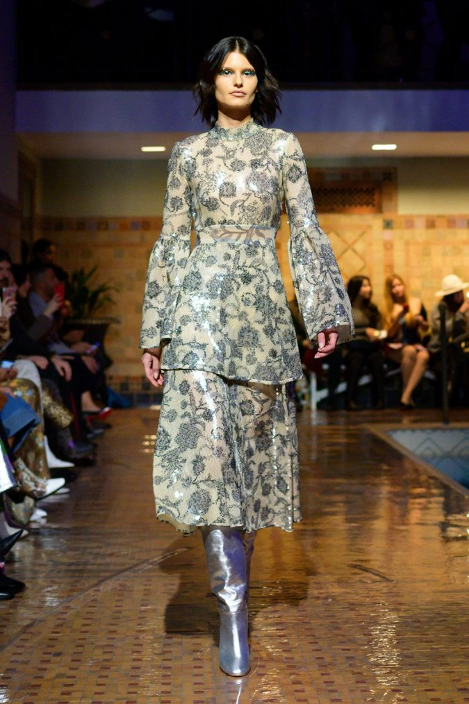 CR-F19-15-675x1013 +20 Fall Fashion Trends of 2020 for the Fans of Unusual Shoulders and Sleeves