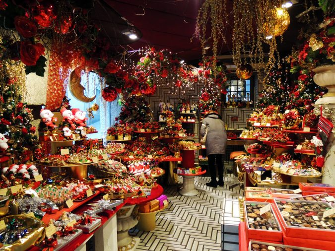 Christmas-chocolate-in-Switzerland-675x506 Top 10 Fairytale Christmas Places for Couples