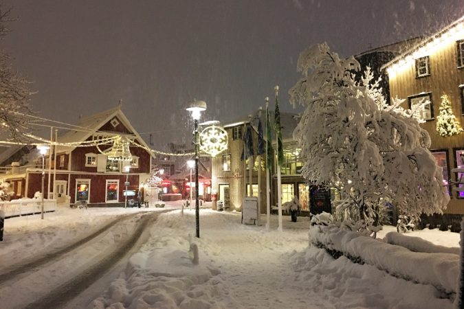 Christmas-in-Reykjavik-675x450 Top 10 Fairytale Christmas Places for Couples