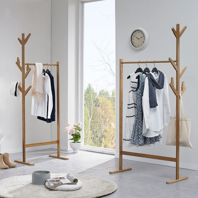 Coat-hangers-from-wood.-675x675 Using Wood to Decorate Your Home - Easy Tips and Tricks