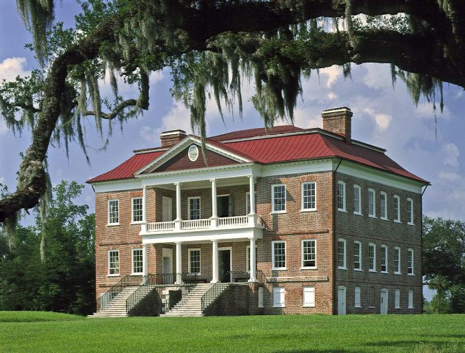 Drayton-Hall-plantation-675x513 Top 10 Fairytale Christmas Places for Couples