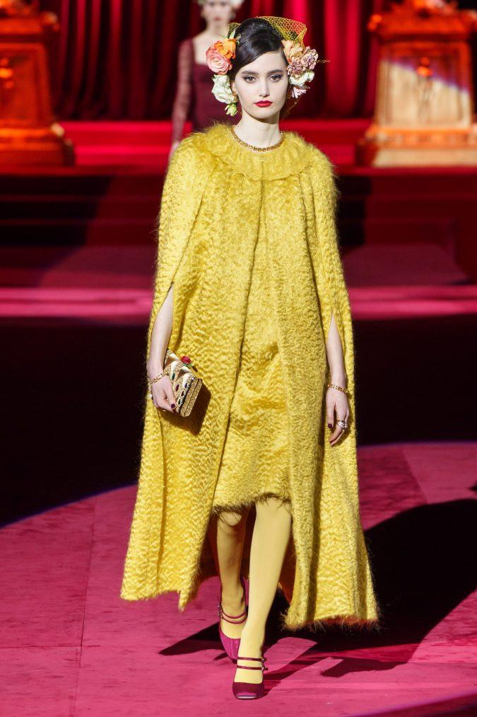 Fall-fashion-2019-caftan-Dolce-Gabbana-675x1013 +80 Fall/Winter Fashion Trends for a Stunning 2020 Wardrobe