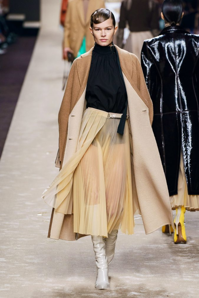 Fall-fashion-2019-pleated-skirt-Fendi-675x1013 45+ Elegant Work Outfit Ideas for Fall and Winter 2020