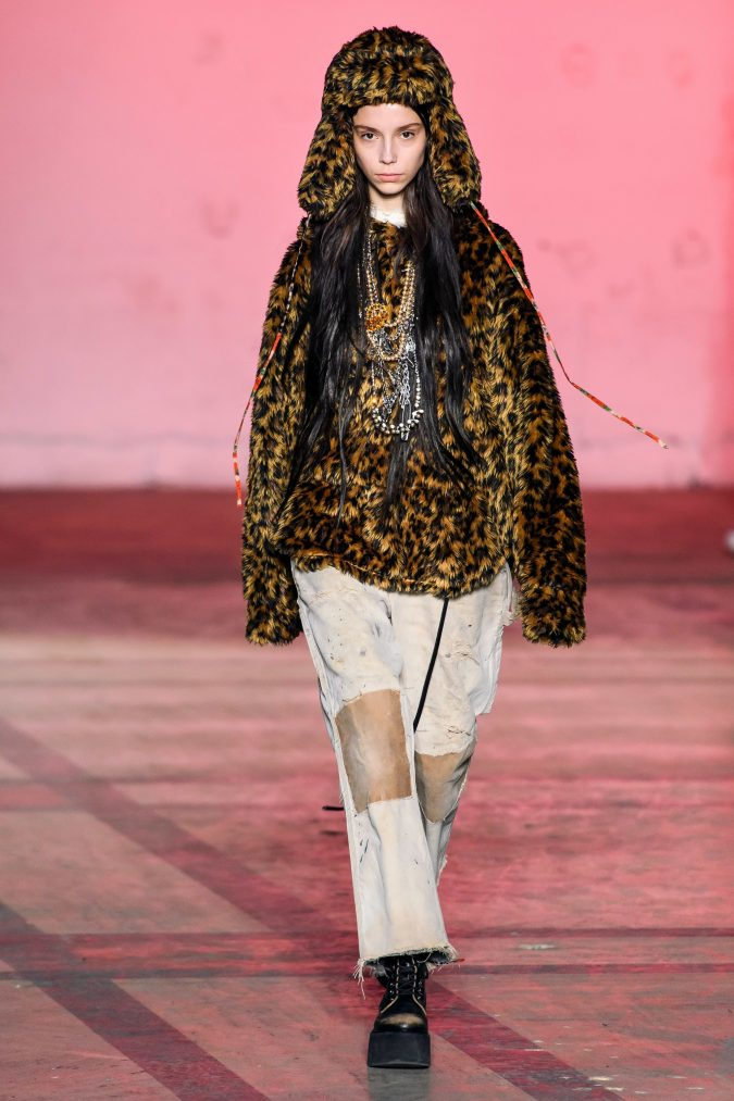Fall-winter-2020-faux-fur-top-R13-675x1013 90 Fall/Winter Fashion Ideas for a Perfect Combination of Vintage and Modern in 2020