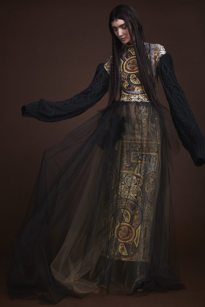 Fall-winter-fashion-2020-dress-vera-wang-675x1013 +20 Fall Fashion Trends of 2020 for the Fans of Unusual Shoulders and Sleeves