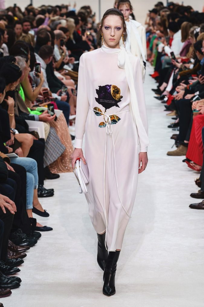 Fall-winter-fashion-2020-dress-with-side-bow-Valentino-675x1013 +80 Fall/Winter Fashion Trends for a Stunning 2021 Wardrobe