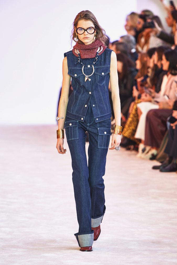 Fall-winter-fashion-2020-jeans-over-jeans-Chloe-675x1013 60+ Retro Fashion Designs of Fall/Winter 2020 Inspired by the 80s and 90s