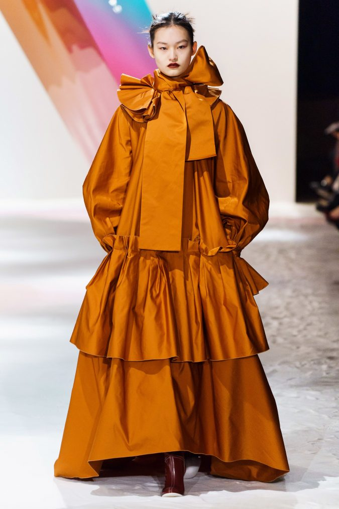 Fall-winter-fashion-2020-meringue-dress-Roksanda-675x1013 60+ Retro Fashion Designs of Fall/Winter 2020 Inspired by the 80s and 90s