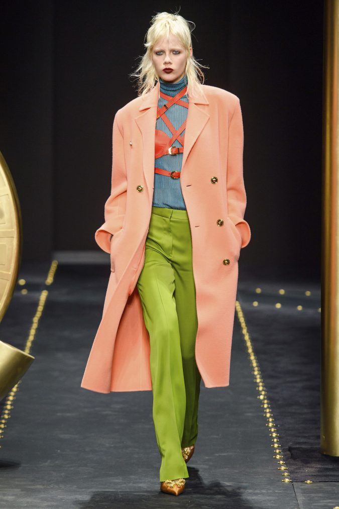 Fall-winter-fashion-2020-neon-coat-and-pants-versace-675x1013 60+ Retro Fashion Designs of Fall/Winter 2020 Inspired by the 80s and 90s