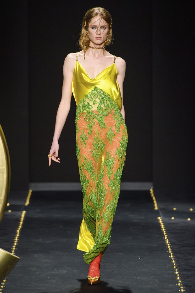 Fall-winter-fashion-2020-neon-dress-versace-675x1013 60+ Retro Fashion Designs of Fall/Winter 2020 Inspired by the 80s and 90s