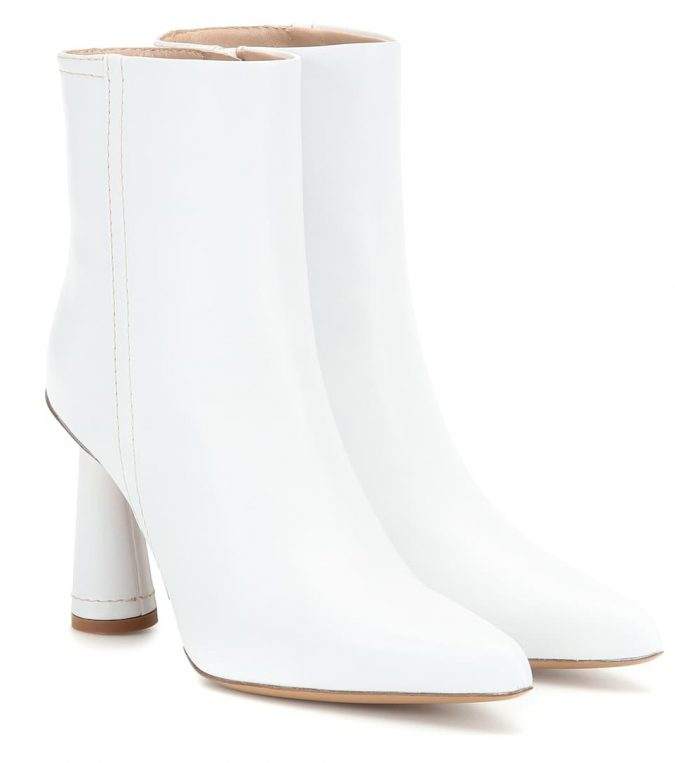 Jacquemus-ankle-boots-in-white-leather-1-675x763 7 Designer Shoes for Women