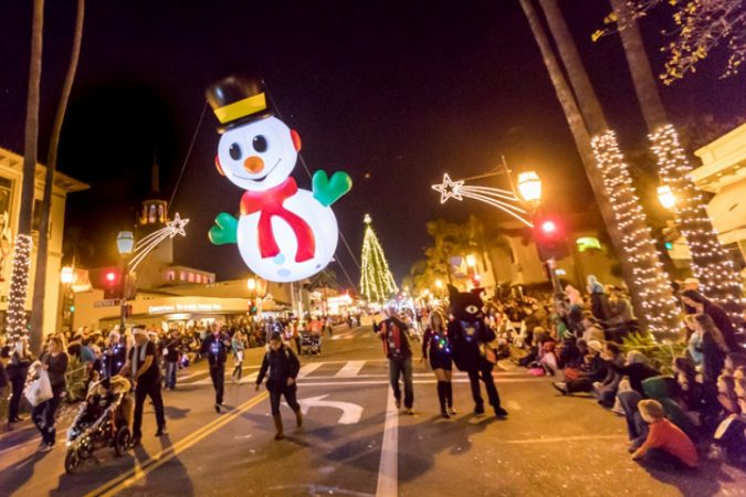 Santa-Barbara-CA-675x450 Top 10 Fairytale Christmas Places for Couples
