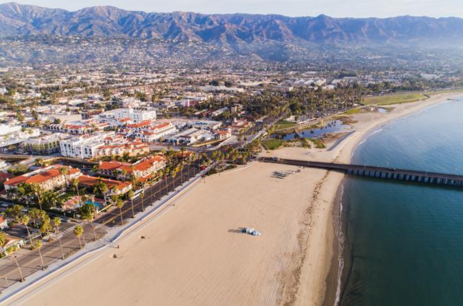 Santa-Barbara-CA.-675x446 Top 10 Fairytale Christmas Places for Couples