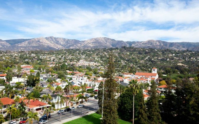 Santa-Barbara-California-675x422 Top 10 Fairytale Christmas Places for Couples