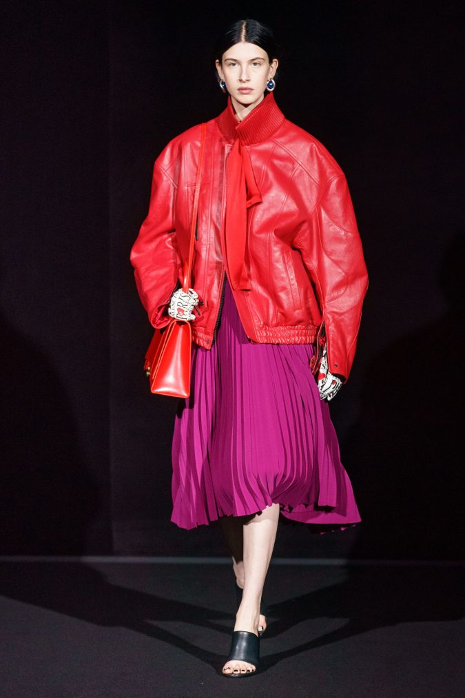 fall-2019-fashion-pleated-skirt-and-long-leather-jacket-balenciaga-675x1013 90 Fall/Winter Fashion Ideas for a Perfect Combination of Vintage and Modern in 2020