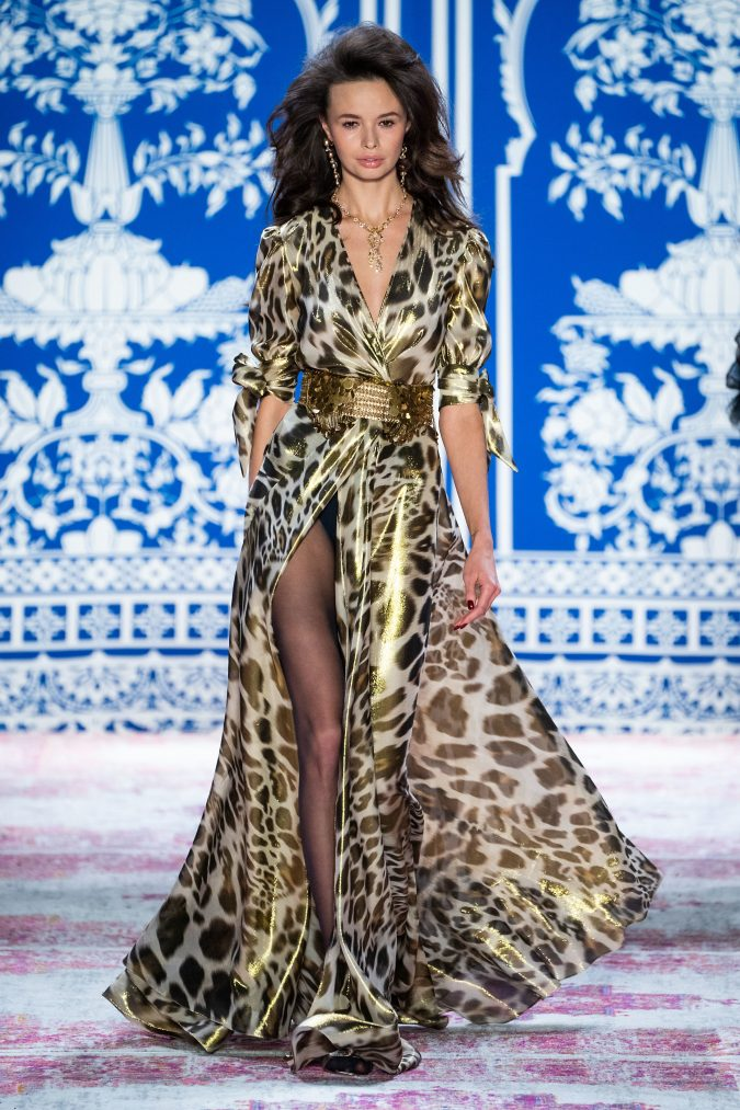 fall-fashion-2019-belted-dress-naeem-khan-2-675x1013 65+ Hottest Fall and Winter Accessories Fashion Trends in 2020