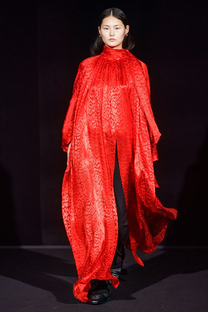 fall-fashion-2019-caftan-balenciaga-2-675x1013 10 Fall/Winter Retro Fashion Trends for the 70s Nostalgics in 2020