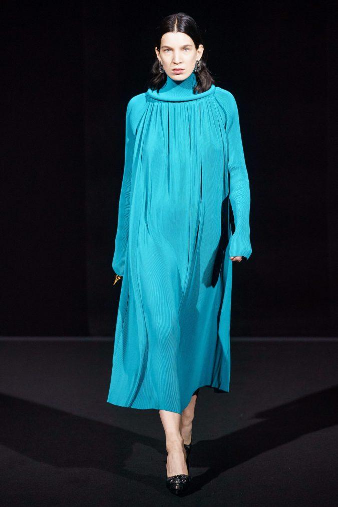 fall-fashion-2019-caftan-balenciaga-675x1013 10 Fall/Winter Retro Fashion Trends for the 70s Nostalgics in 2020
