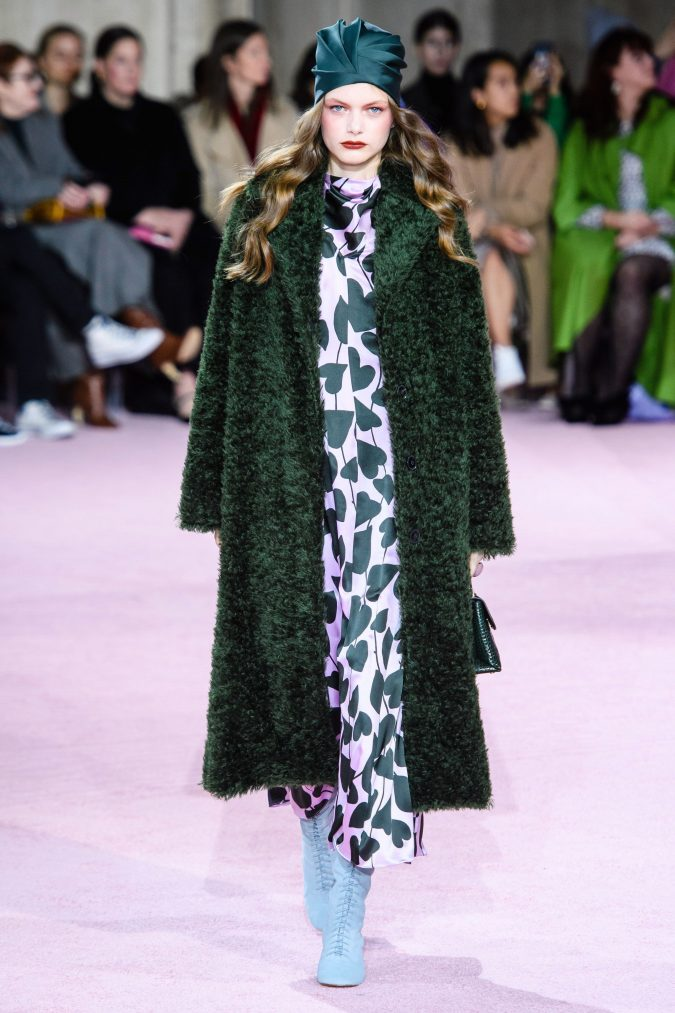 fall-fashion-2019-caftan-kate-spade-675x1013 10 Fall/Winter Retro Fashion Trends for the 70s Nostalgics in 2020