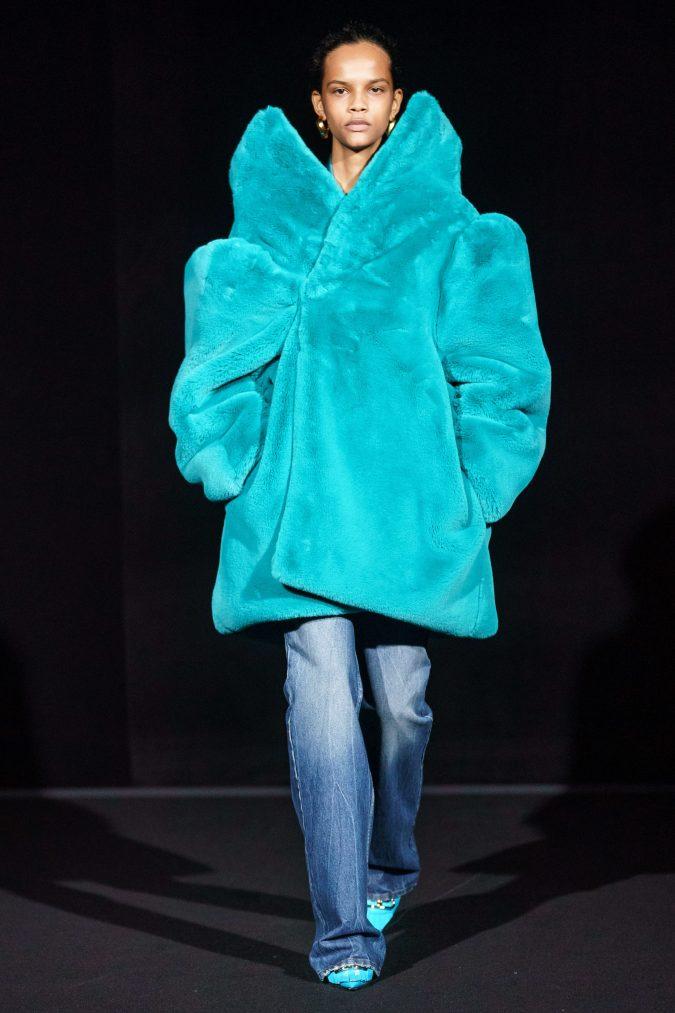 fall-fashion-2019-flare-jeans-balenciaga-675x1013 10 Fall/Winter Retro Fashion Trends for the 70s Nostalgics in 2020