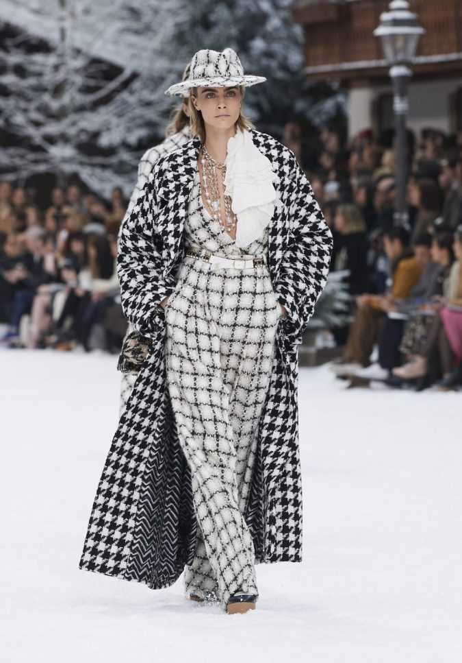 fall-winter-2019-20-plaided-jumpsuit-chanel-675x967 60+ Retro Fashion Designs of Fall/Winter 2020 Inspired by the 80s and 90s