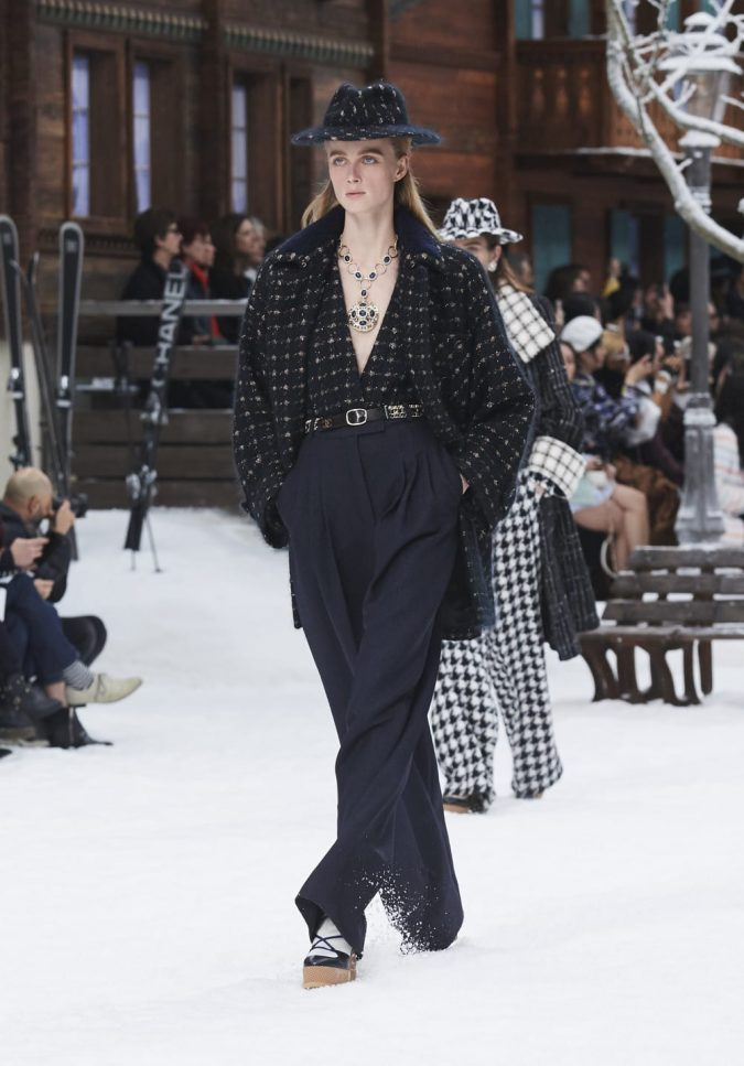 fall-winter-2020-tweed-chanel-675x967 90 Fall/Winter Fashion Ideas for a Perfect Combination of Vintage and Modern in 2020