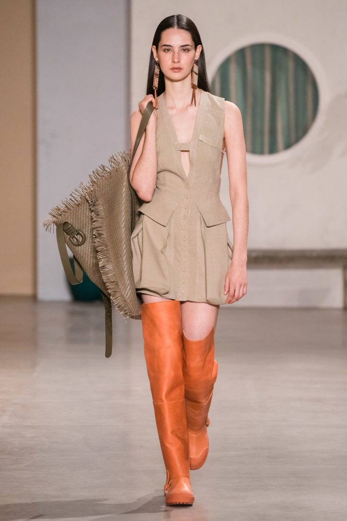 fall-winter-fashion-2020-beige-dress-orange-boots-Jacquemus-675x1013 90 Fall/Winter Fashion Ideas for a Perfect Combination of Vintage and Modern in 2020