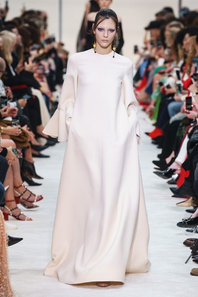 fall-winter-fashion-2020-caftan-Valentino-2-675x1013 +80 Fall/Winter Fashion Trends for a Stunning 2020 Wardrobe