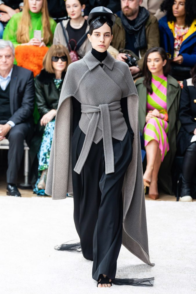 fall-winter-fashion-2020-cape-J.W.-Anderson-675x1013 90 Fall/Winter Fashion Ideas for a Perfect Combination of Vintage and Modern in 2020