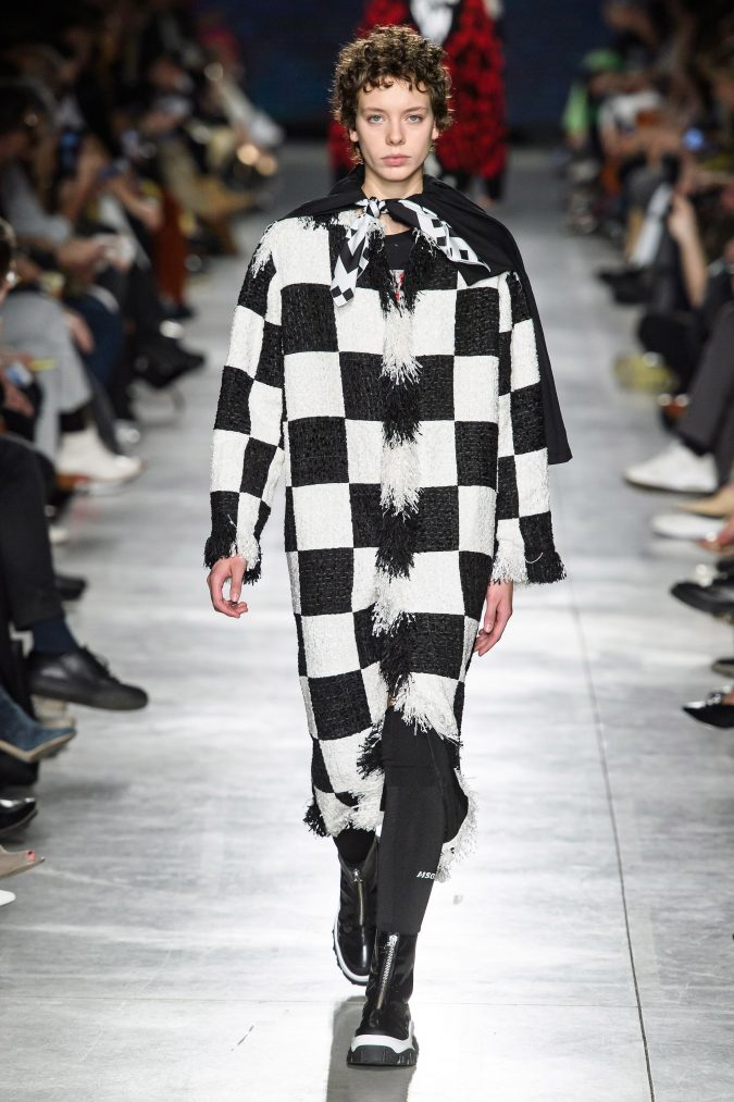 fall-winter-fashion-2020-cape-MSGM-675x1013 +80 Fall/Winter Fashion Trends for a Stunning 2020 Wardrobe