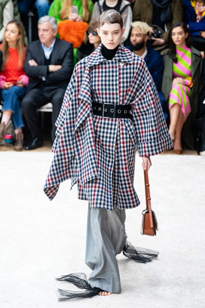 fall-winter-fashion-2020-cape-coat-J.W.-Anderson-675x1013 +80 Fall/Winter Fashion Trends for a Stunning 2020 Wardrobe