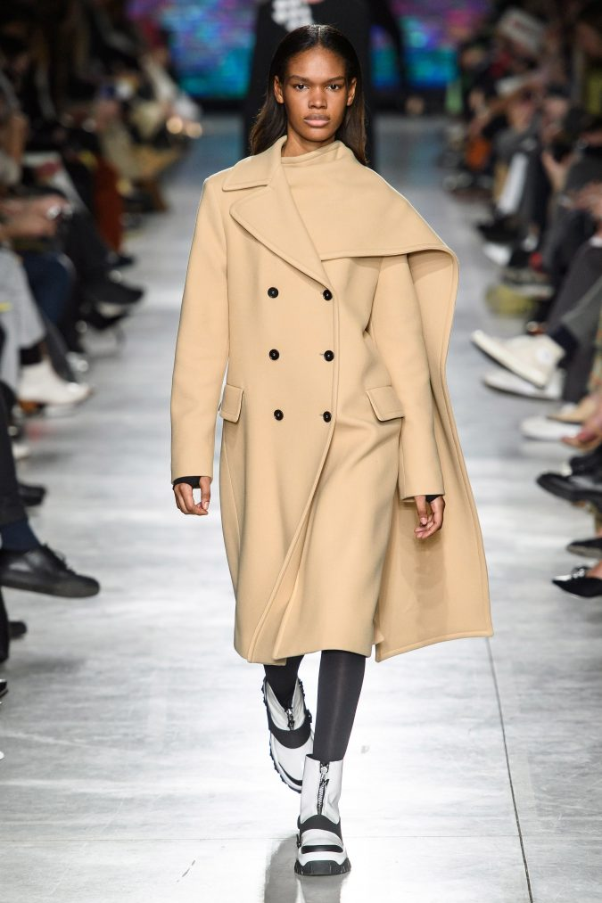 fall-winter-fashion-2020-cape-coat-MSGM-675x1013 +80 Fall/Winter Fashion Trends for a Stunning 2020 Wardrobe