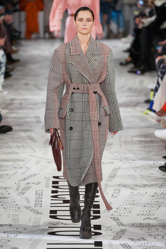 fall-winter-fashion-2020-checked-coat-Stella-McCartney-675x1013 +80 Fall/Winter Fashion Trends for a Stunning 2020 Wardrobe