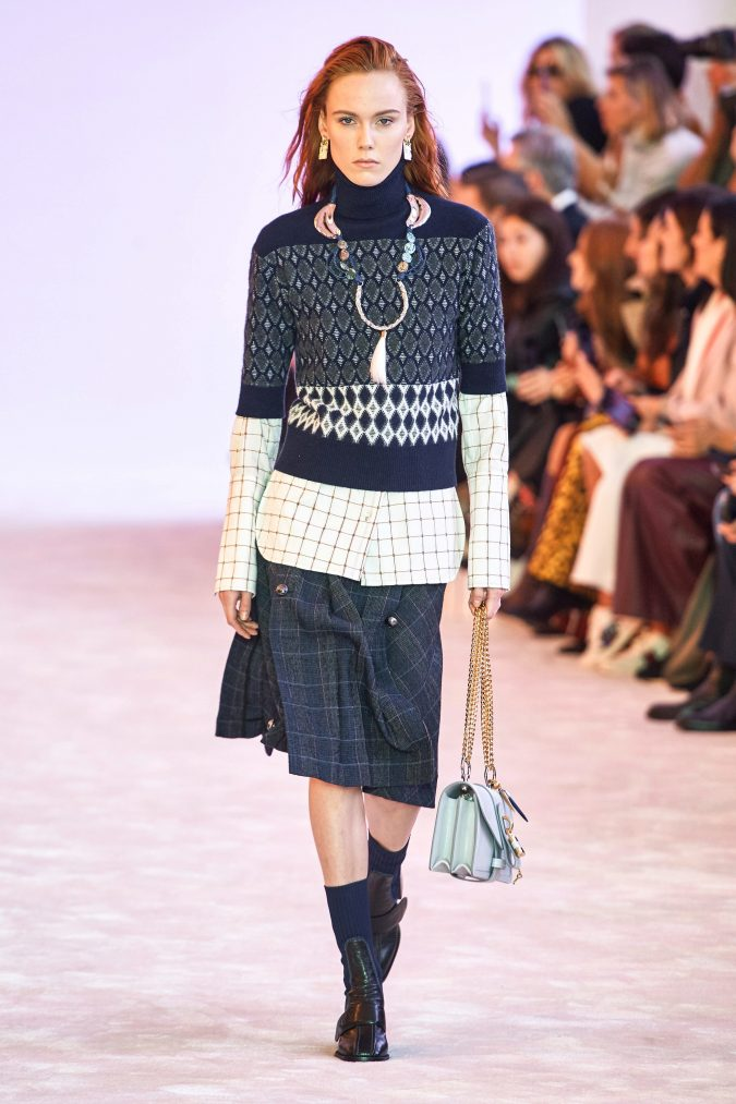 fall-winter-fashion-2020-checked-skirt-shirt-layered-sleeves-chloe-675x1013 +20 Fall Fashion Trends of 2020 for the Fans of Unusual Shoulders and Sleeves